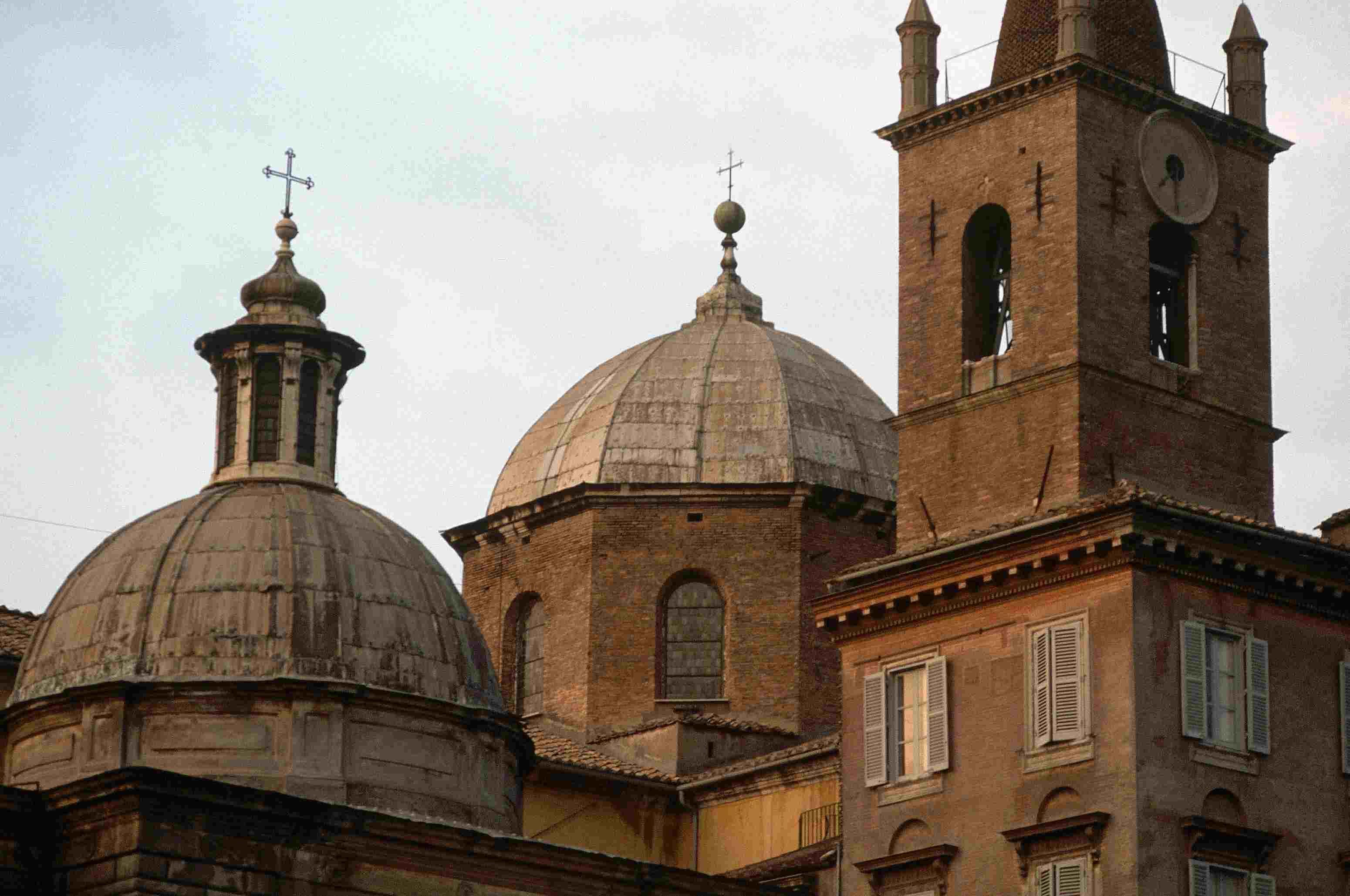 Santa María del Popolo en Roma: cúpulas