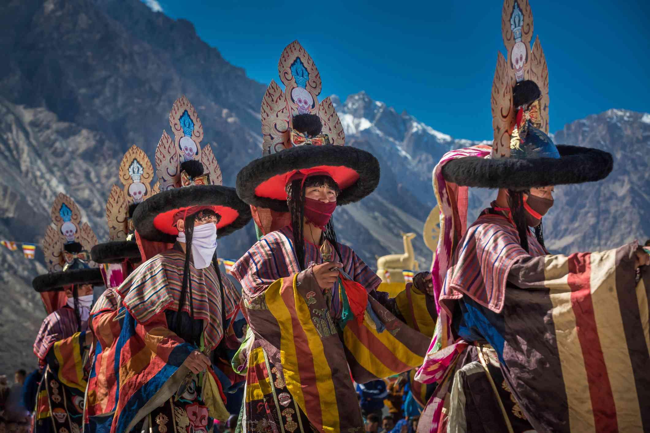 Danza tradicional enmascarada en el valle de Nubra