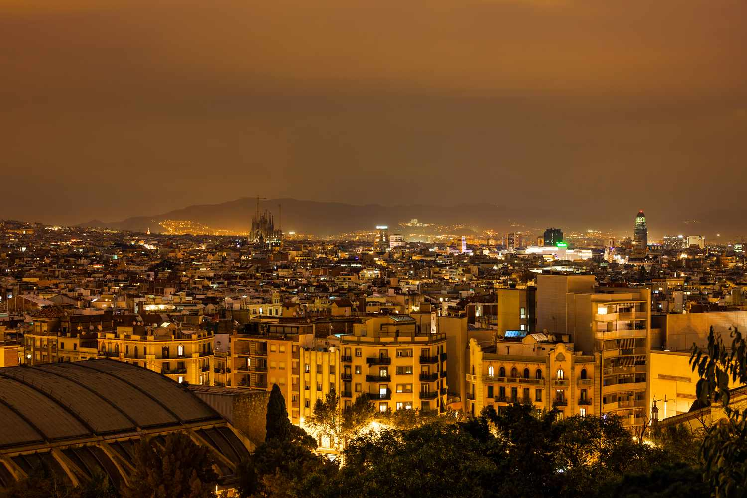 Night view of the Poble Sec neighborhood in Barcelona