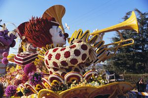 Clown float at the Rose Parade