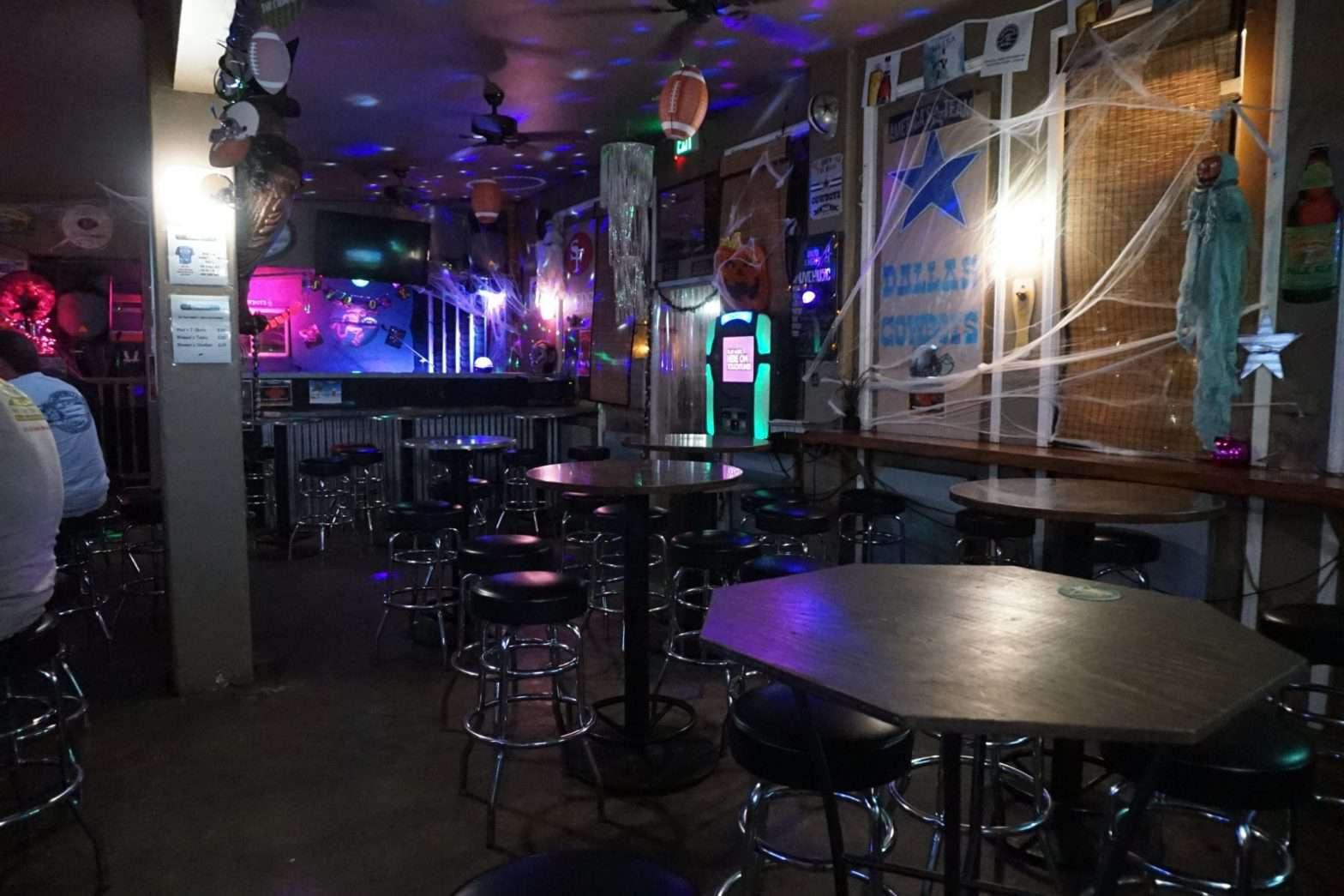 Maui Dive Bar
