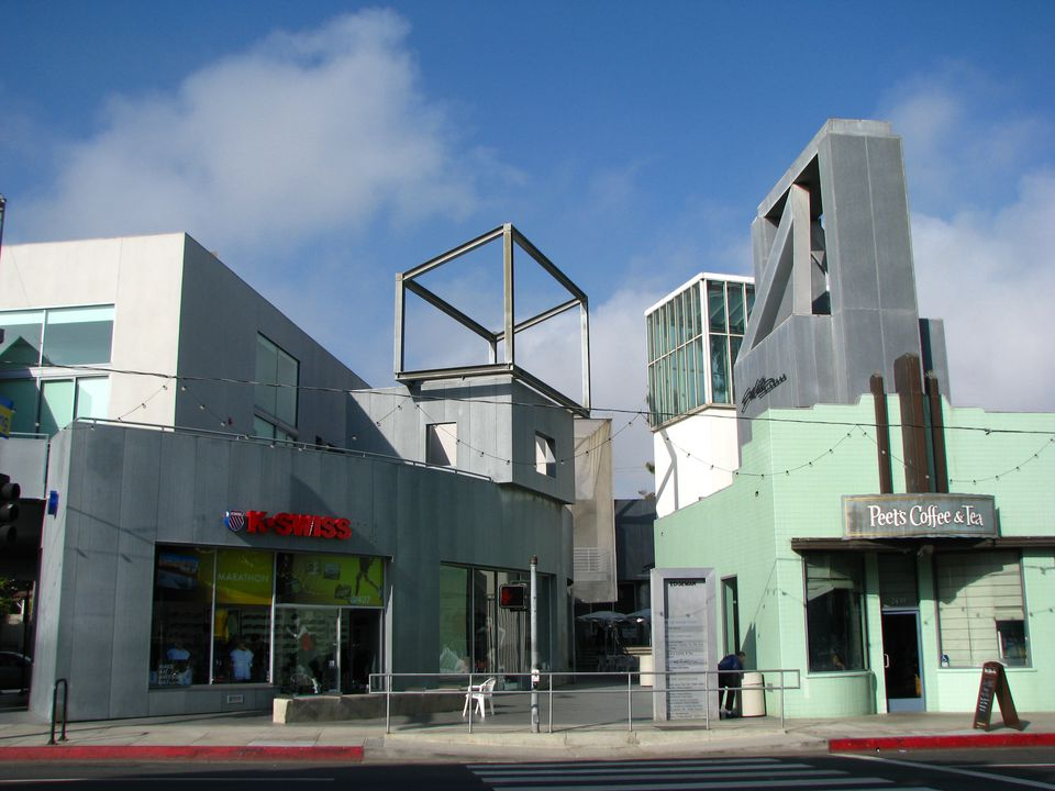 Edgemar Center, architecture designed by Frank Gehry, along Main Street in  Santa Monica's Ocean