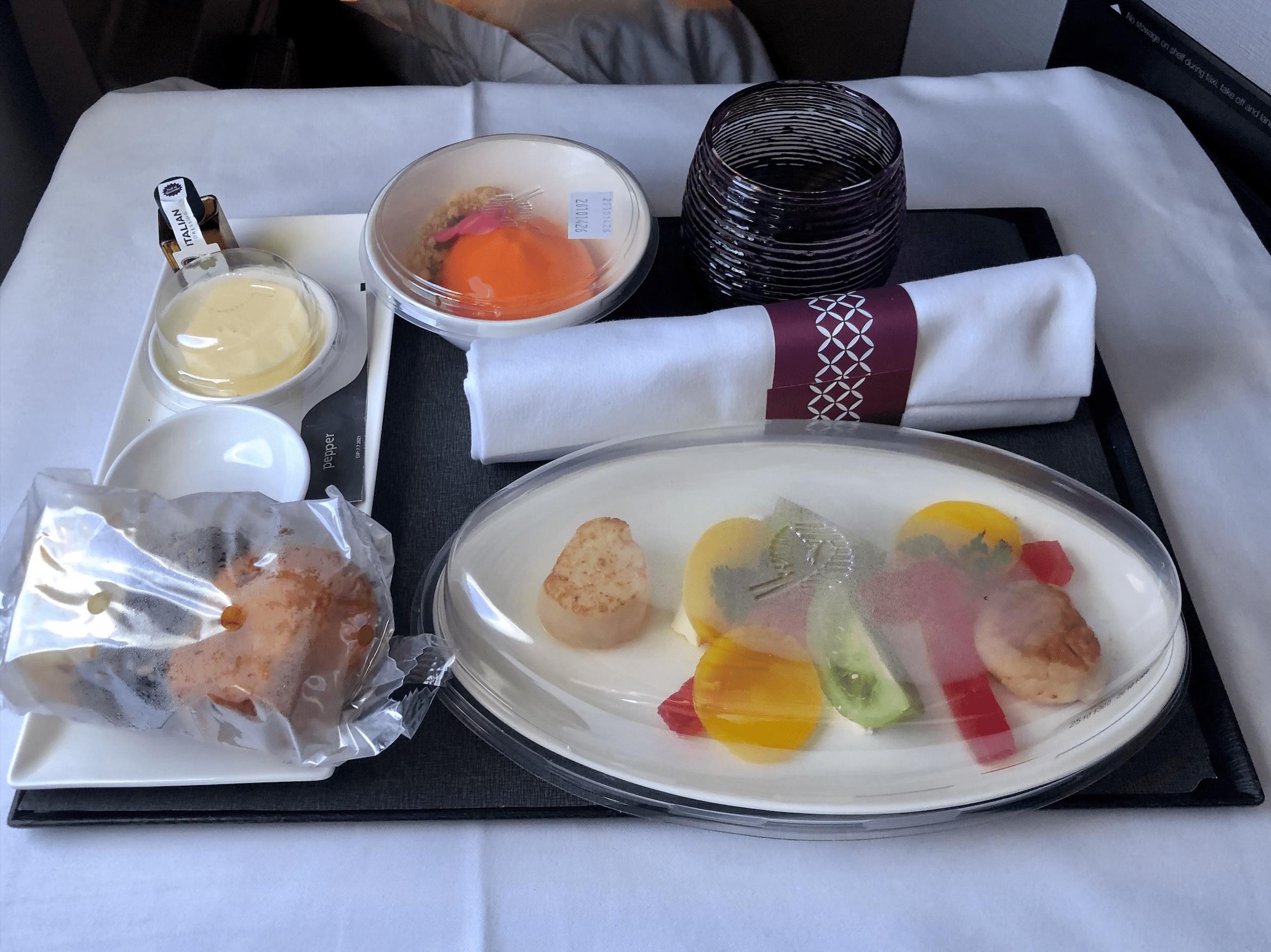 Qatar airways meal service
