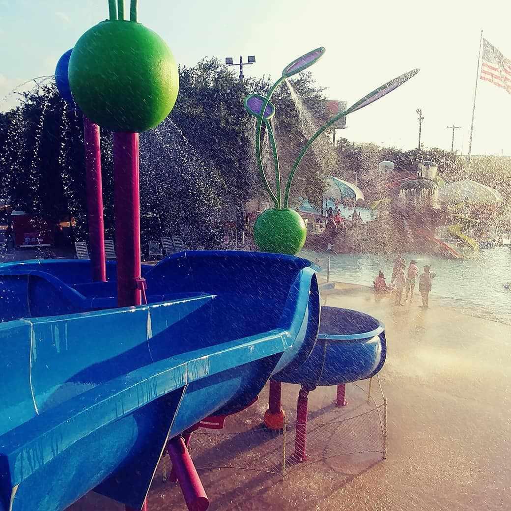 Splashtown San Antonio water park