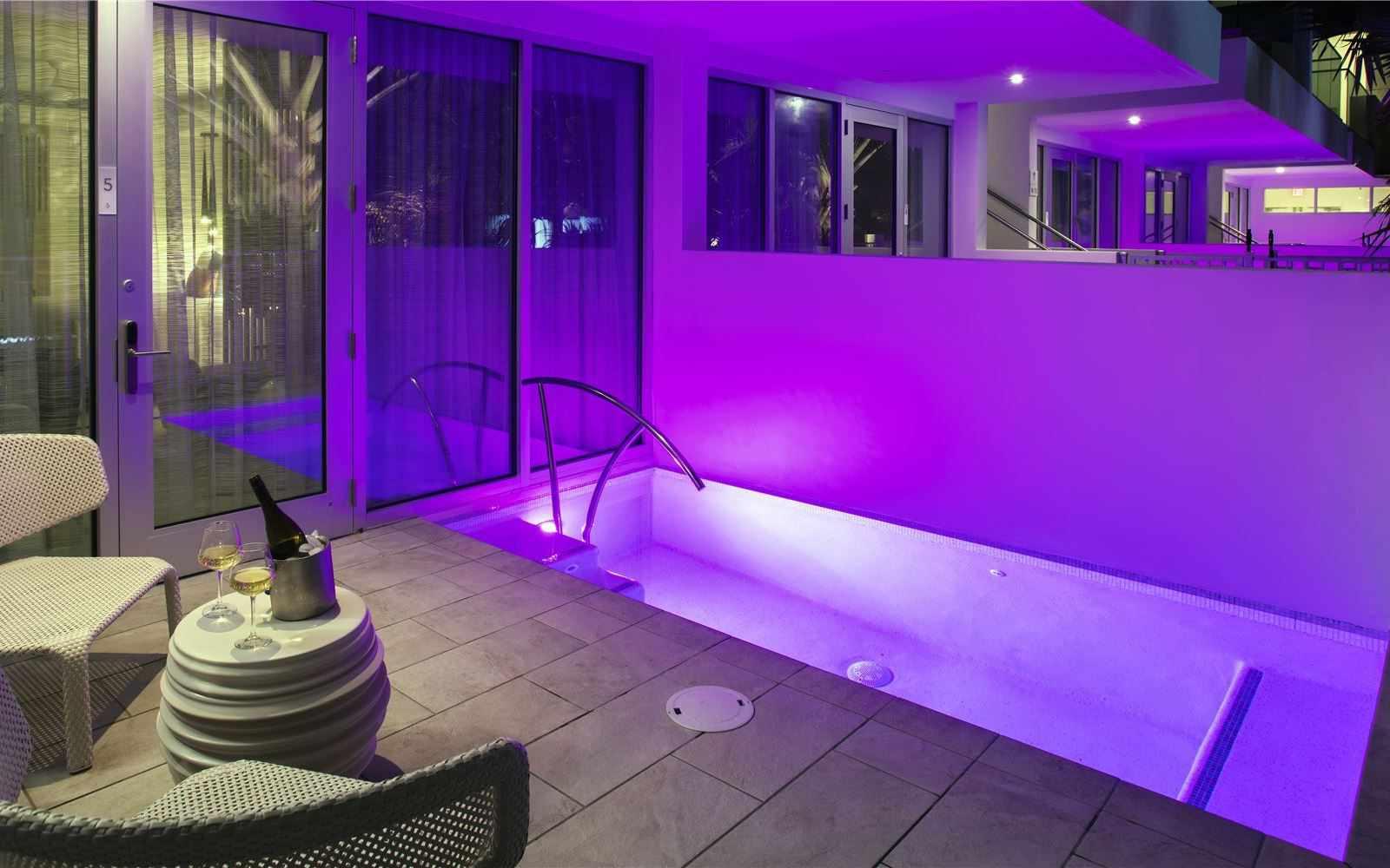 H2O Suites
