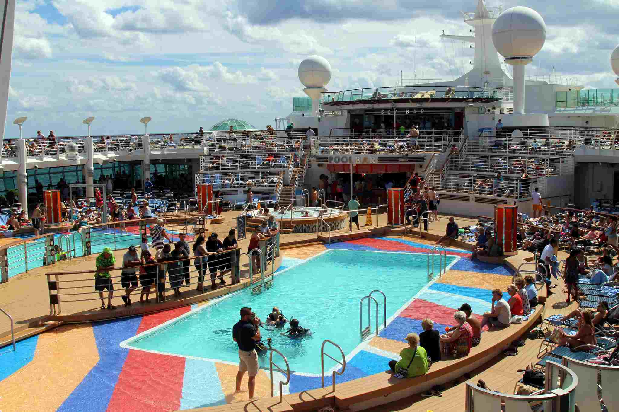 Pool Deck RCCL Liberty Of The Seas