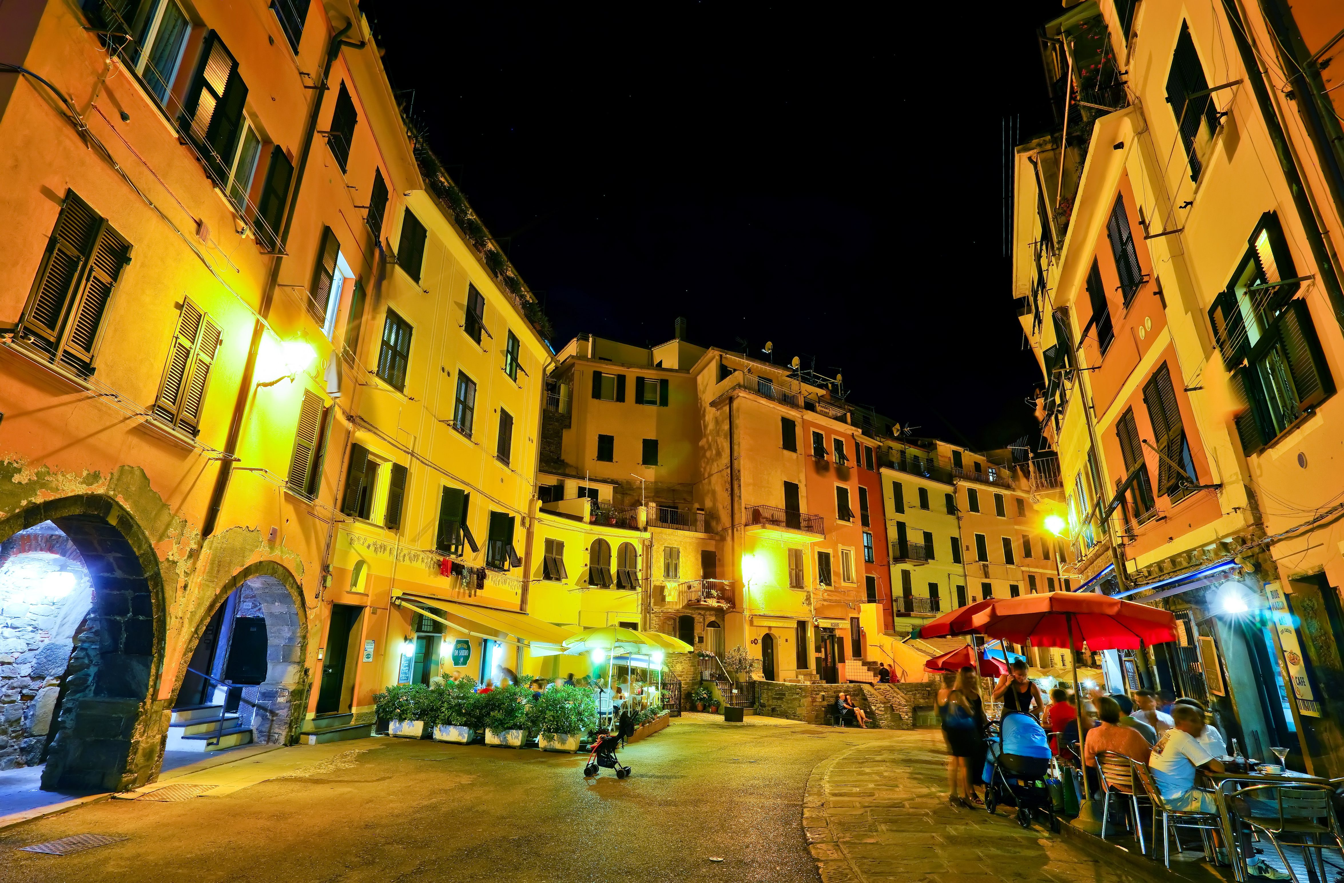 What to Do After Dark in Italy's Cinque Terre