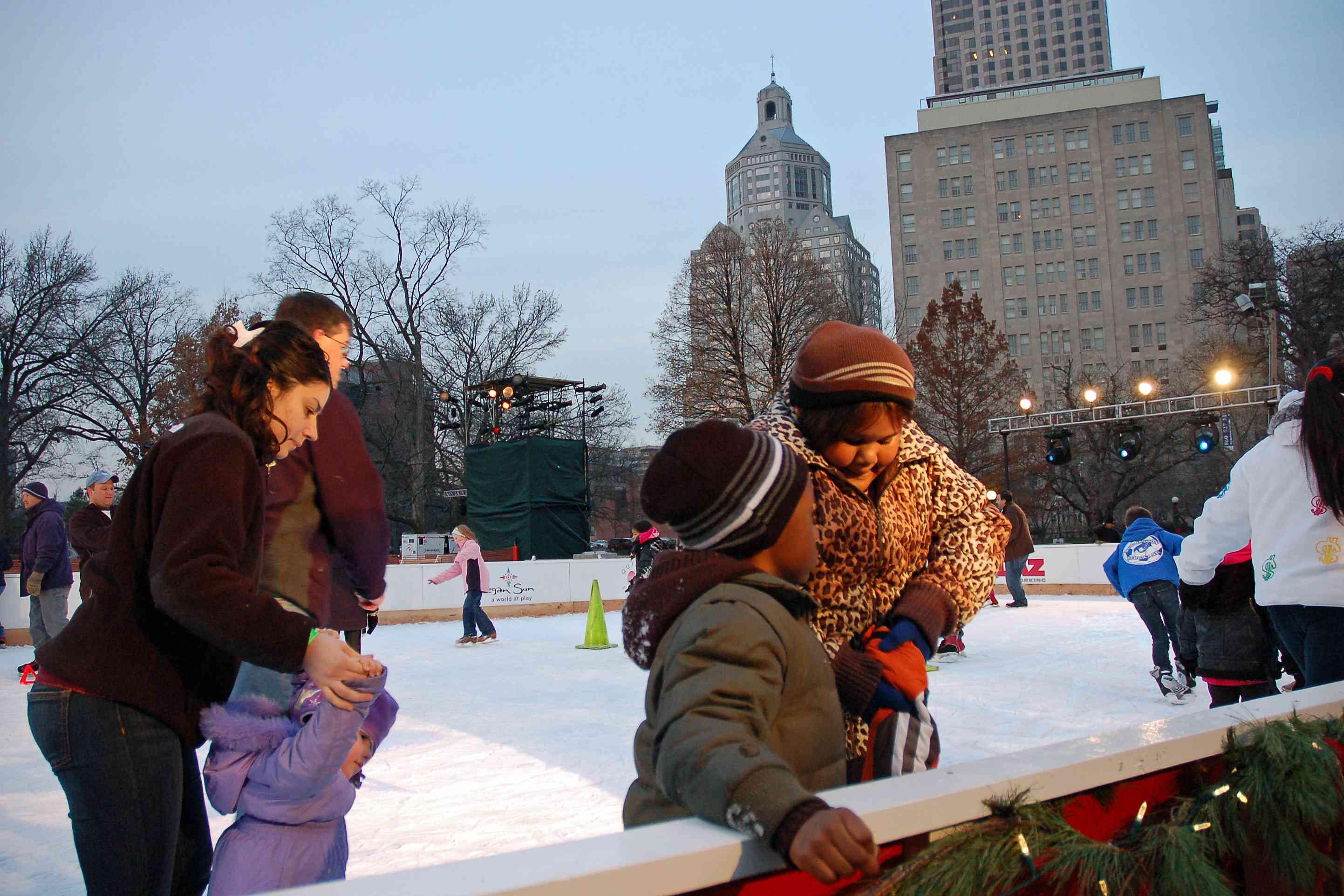 Pista de hielo Winterfest Bushnell Park Hartford
