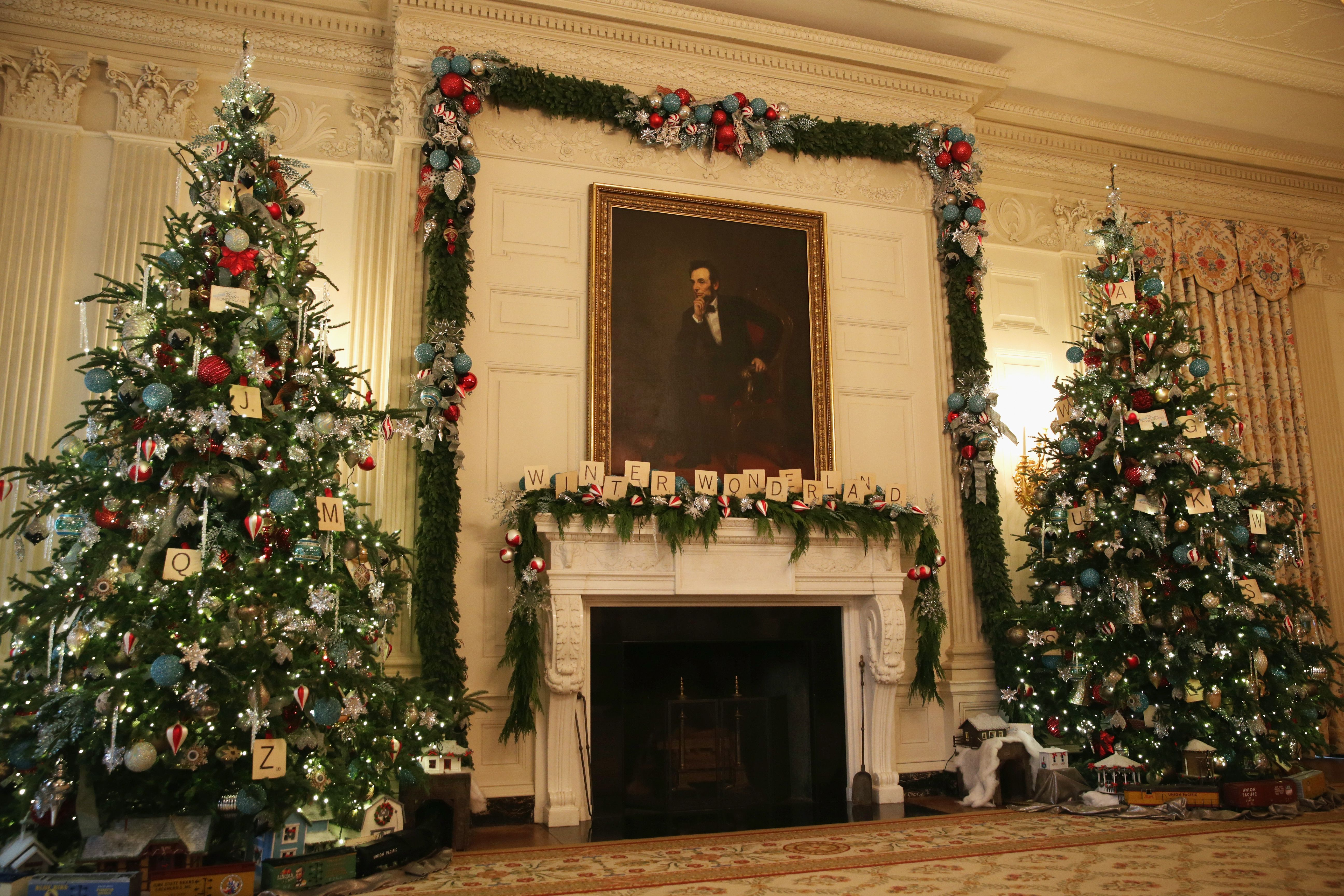 White House Christmas Decorations Photos