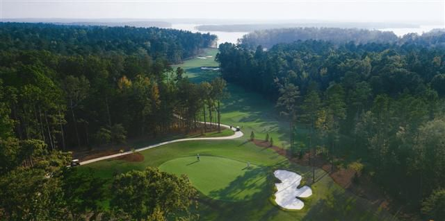 Photograph of National Golf Course at Reynolds Plantation Holes 2 and 3