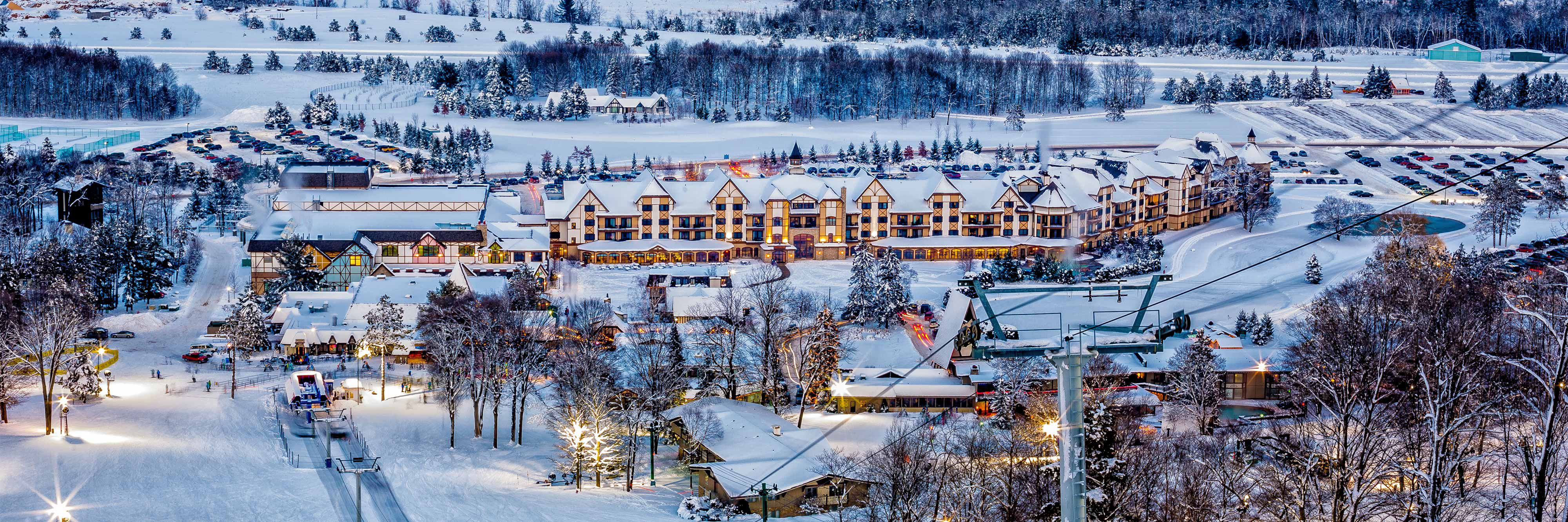 21 Unbelievably Awesome Christmas Card Photo Ideas - - Postable Pictures of boyne mountain