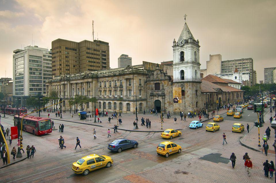 Colombia, Bogotá, Iglesia de San Francisco del siglo XVI, la iglesia restaurada más antigua de Bogotá, intersecciones de Avendía Jiménez y Carrera Septima