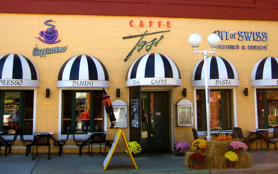 Exterior of Caffe Tosi on an autumn day