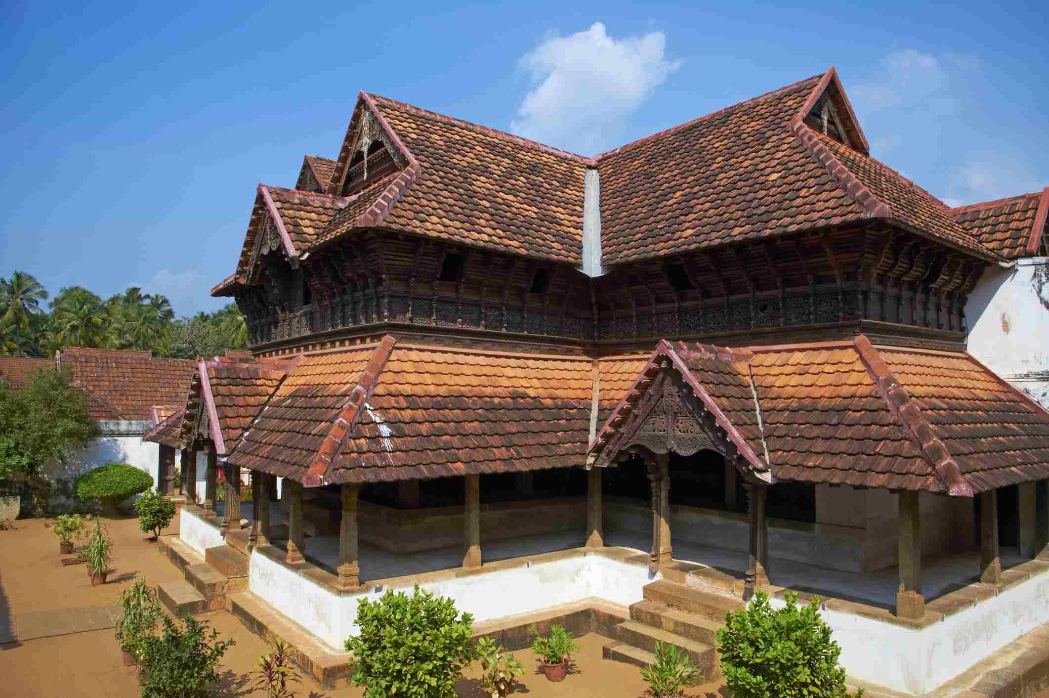 settings Padmanabhapuram palace, the biggest wooden palace in Asia