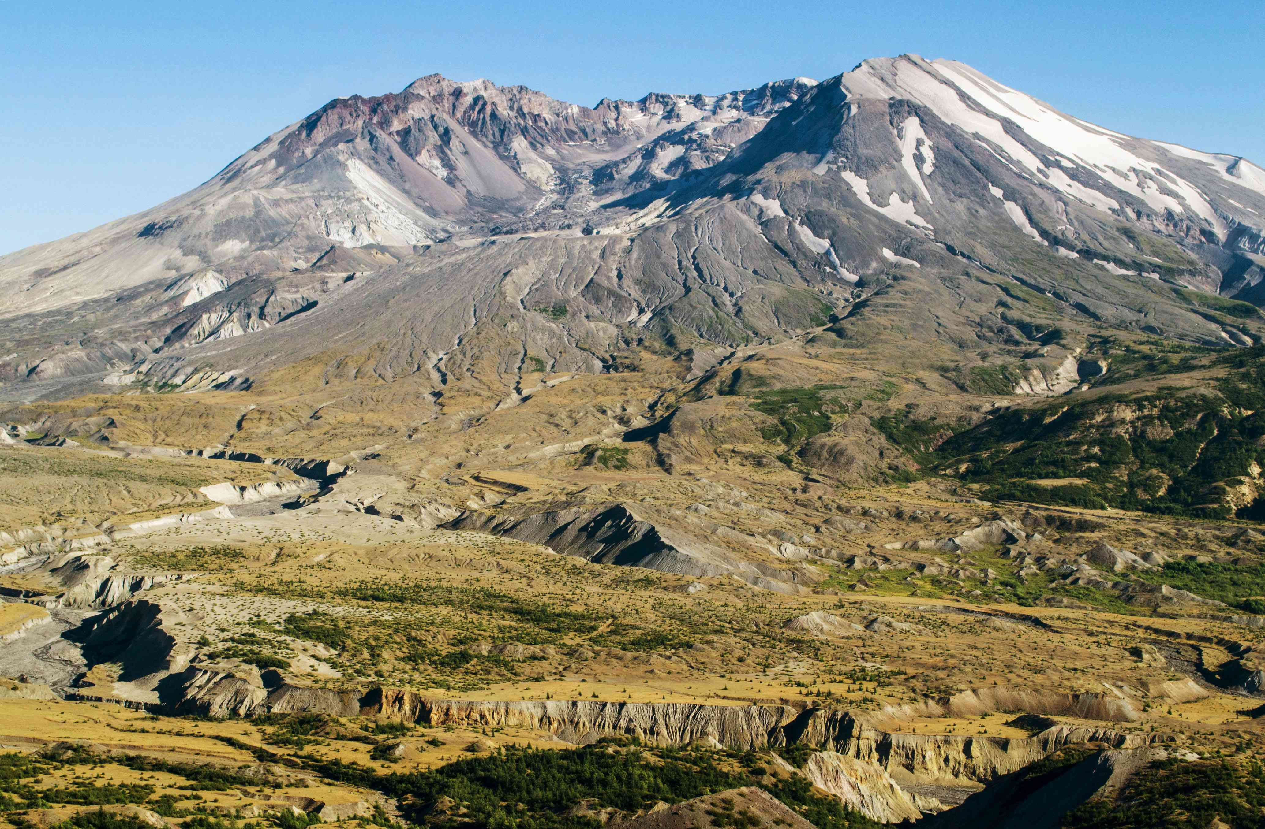 Wide shot of the crater of Mt St Helen's