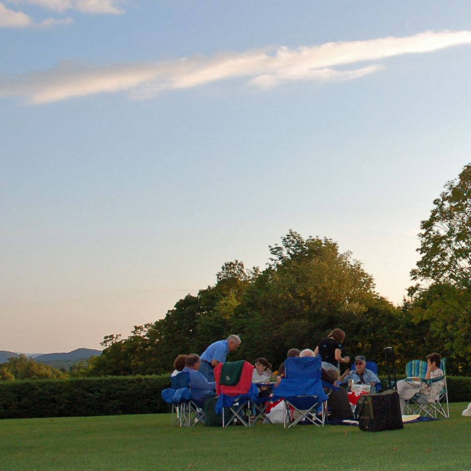 How to Pack the Perfect Picnic for Tanglewood