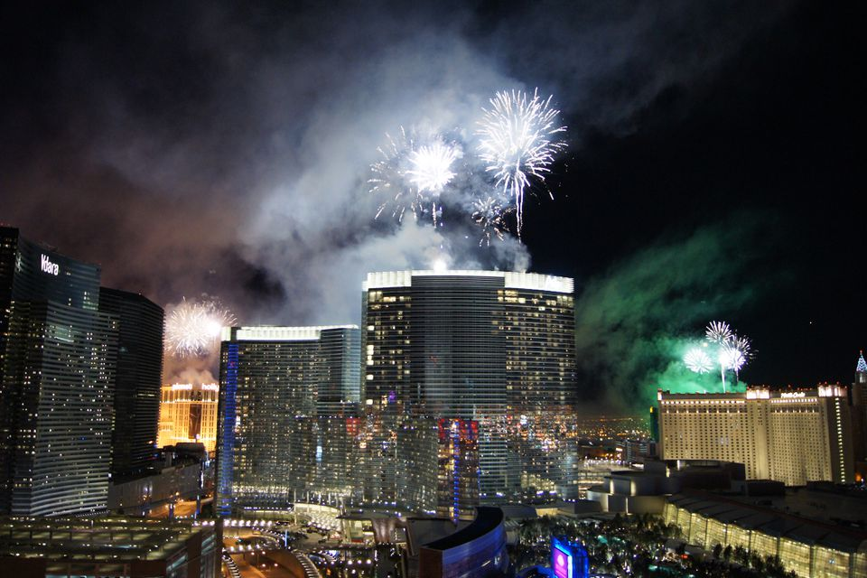 Fuegos artificiales de año nuevo sobre Las Vegas