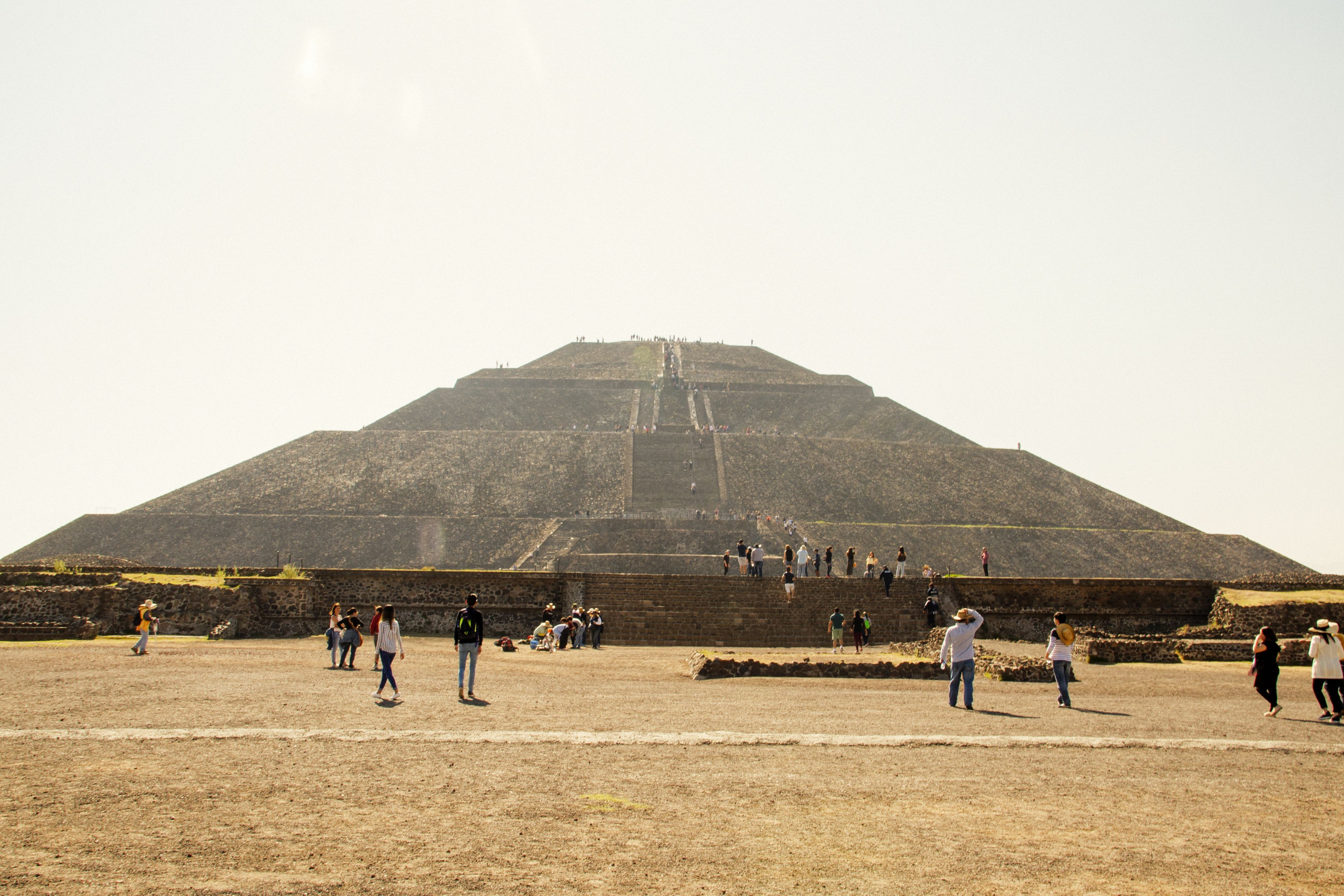 People approaching the pyramid of the sun at teohuitacan