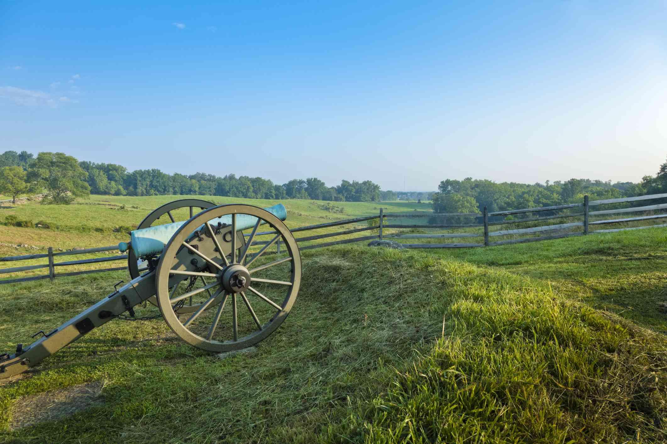 Civil war-era cannon at the Gettysburg National Military Park