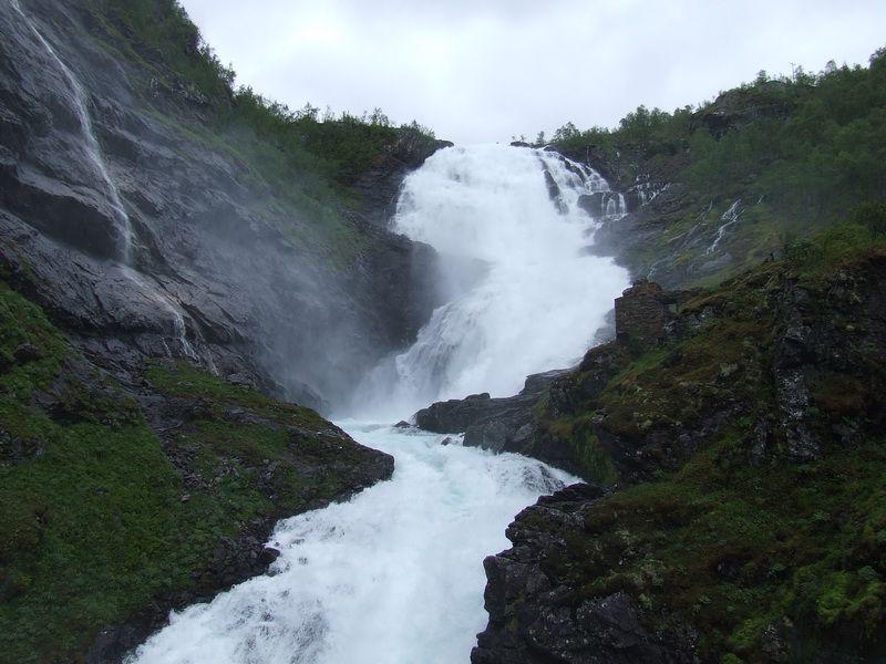 Kjosfossen Waterfall - Flam Railway