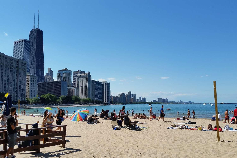 Chicago skyline by Ohio Street Beach