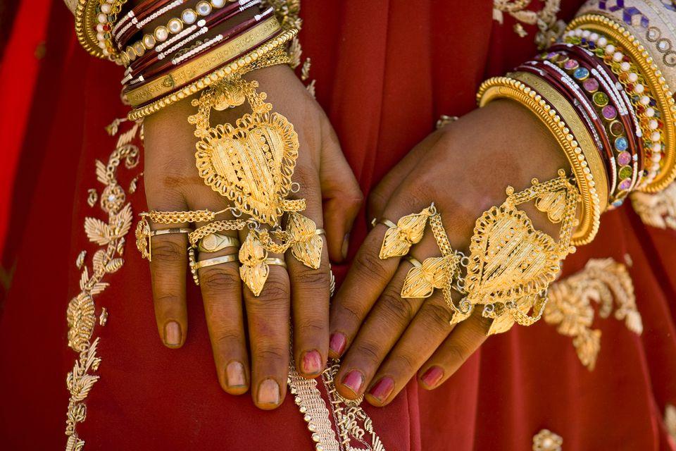 India Jaisalmer Woman Wearing Gold Jewellery