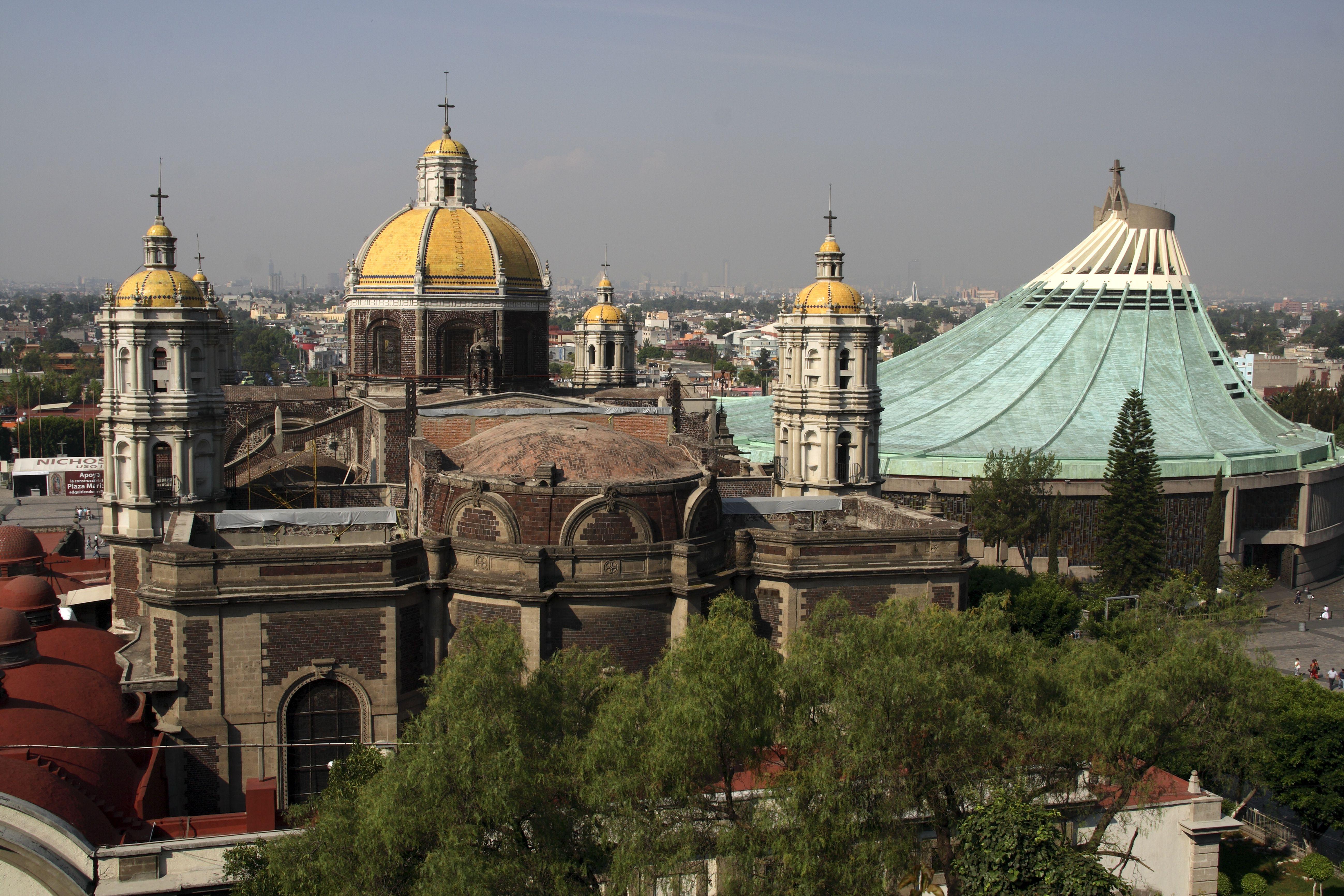 México, Ciudad de México. La Basílica de Guadalupe, considerada el segundo santuario más importante del catolicismo después de la Ciudad del Vaticano