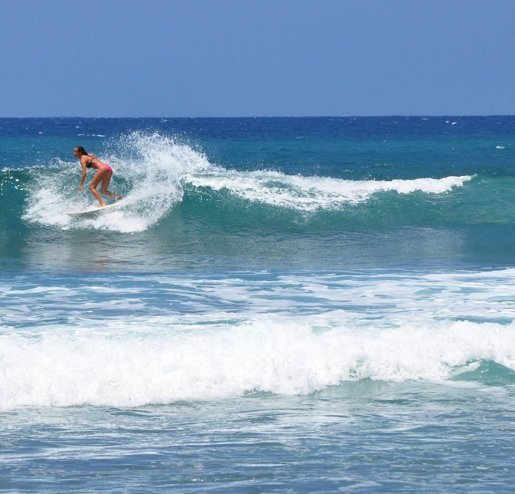 Surfeando en RIncon, Puerto Rico
