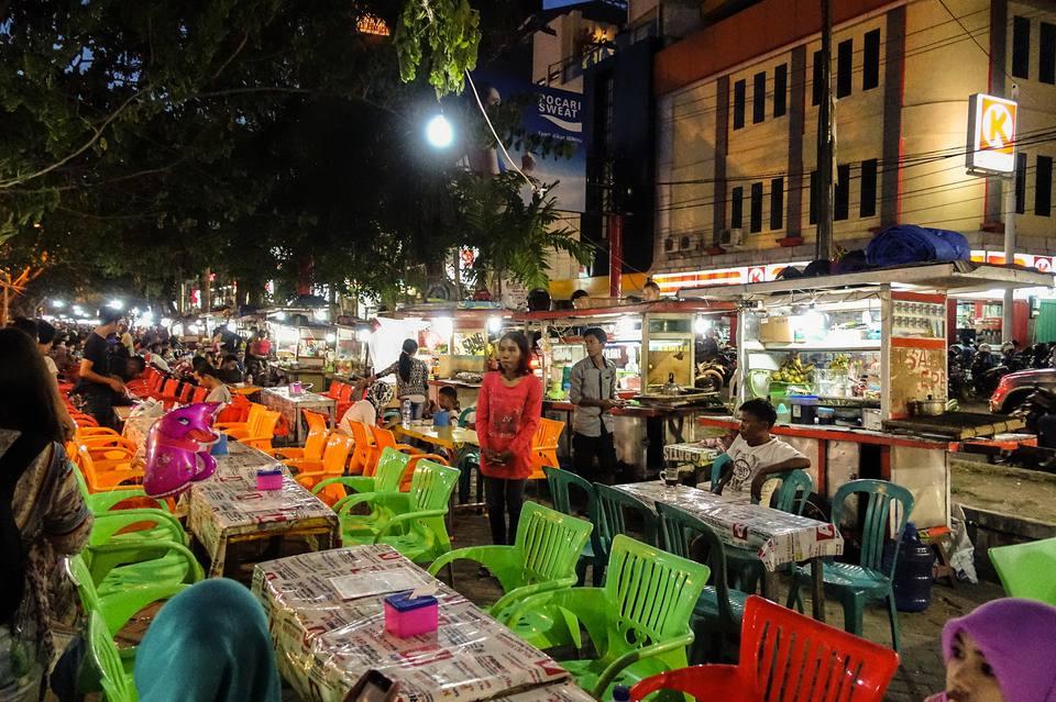 Kaki lima (food stalls) near Pantai Losari, Makassar, Indonesia