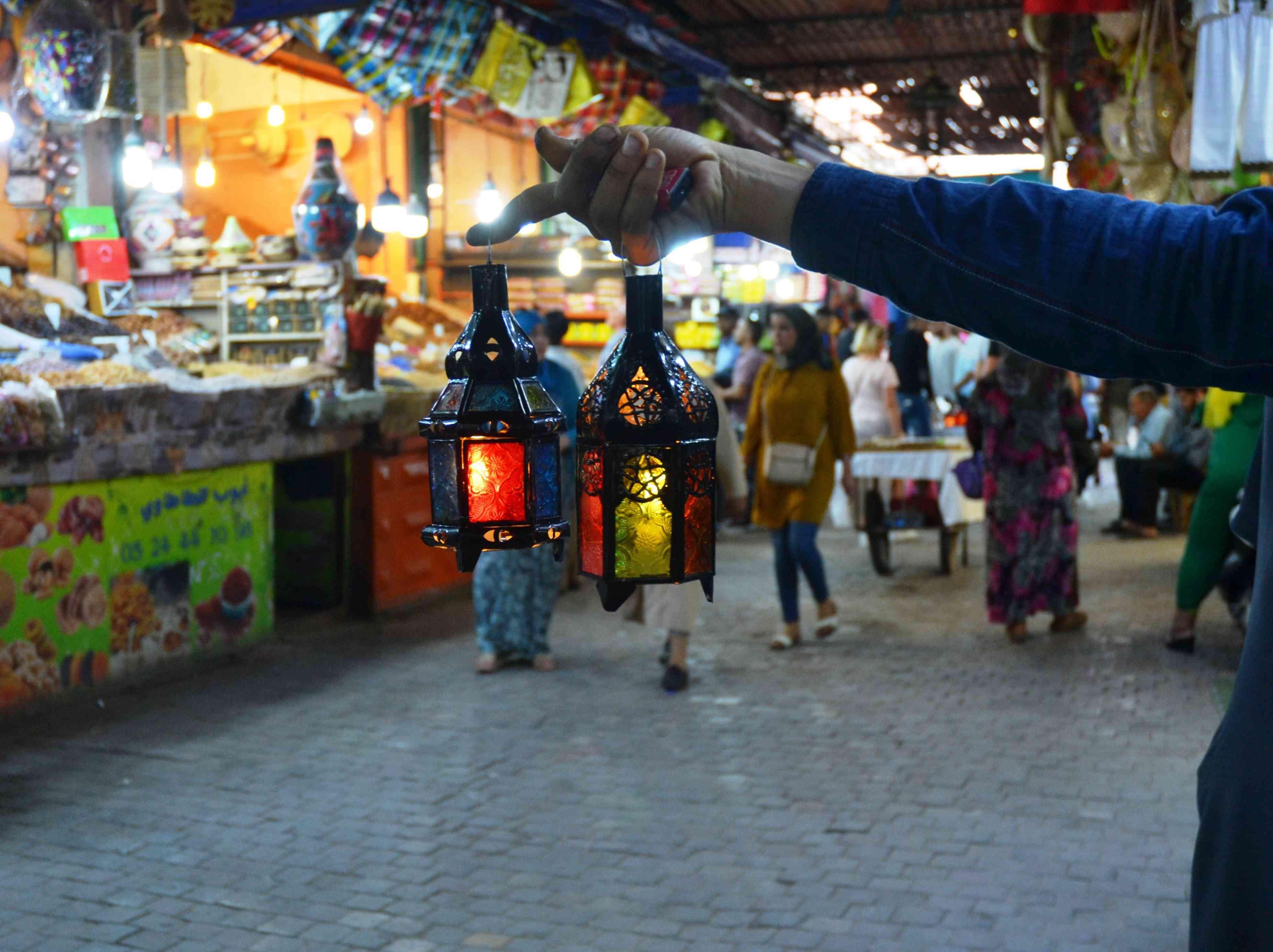 The Lantern Vendor