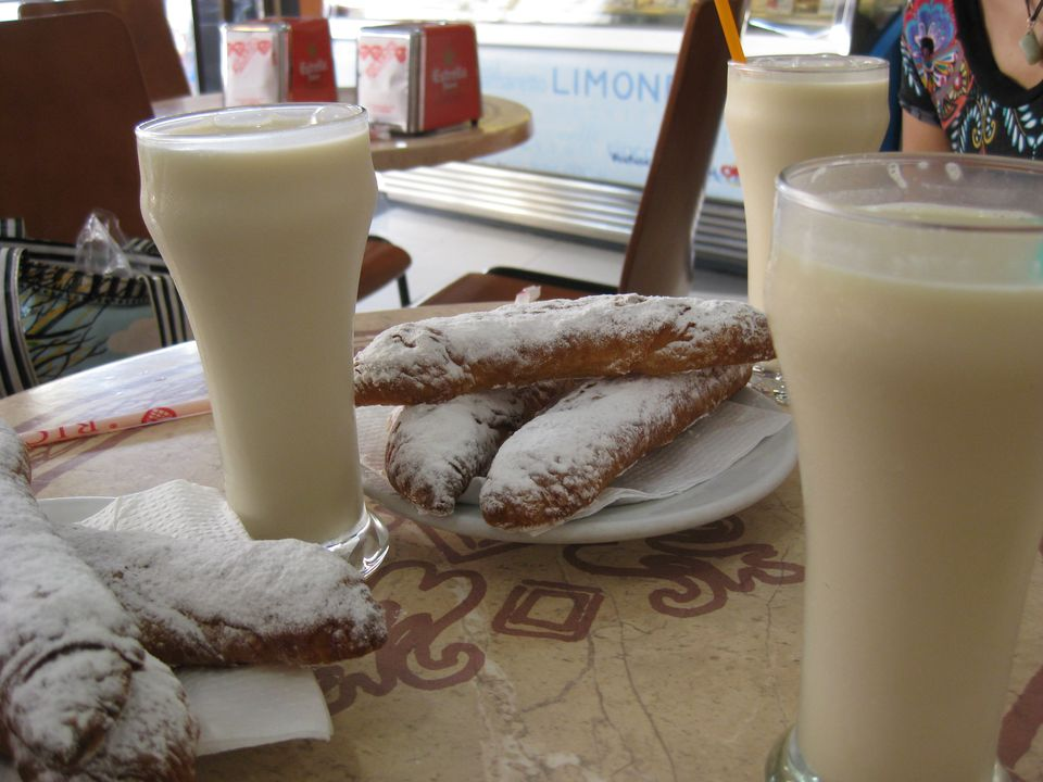 Horchata and Fartóns in Valencia