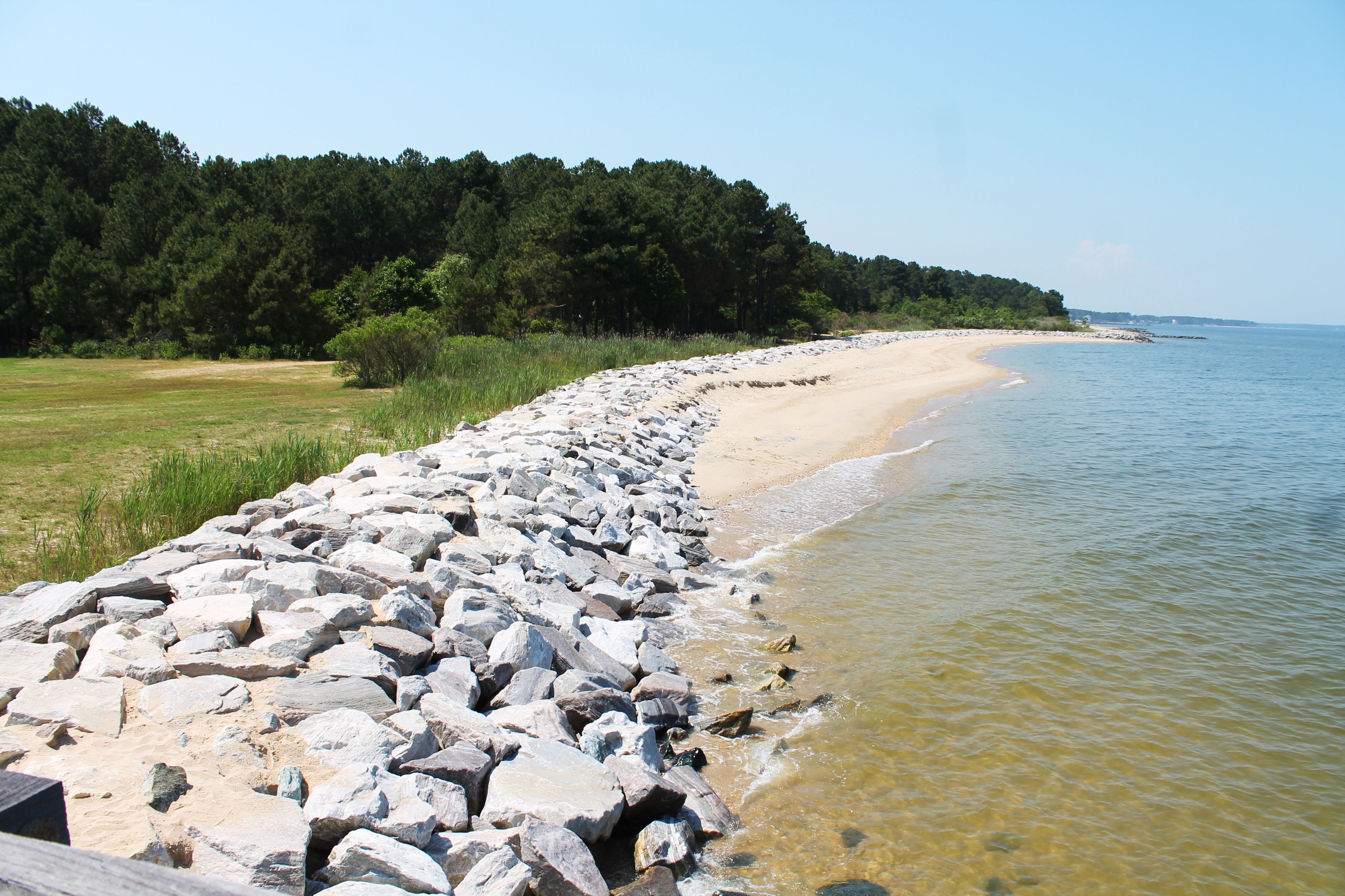 A rocky beach in Point Lookout State Park