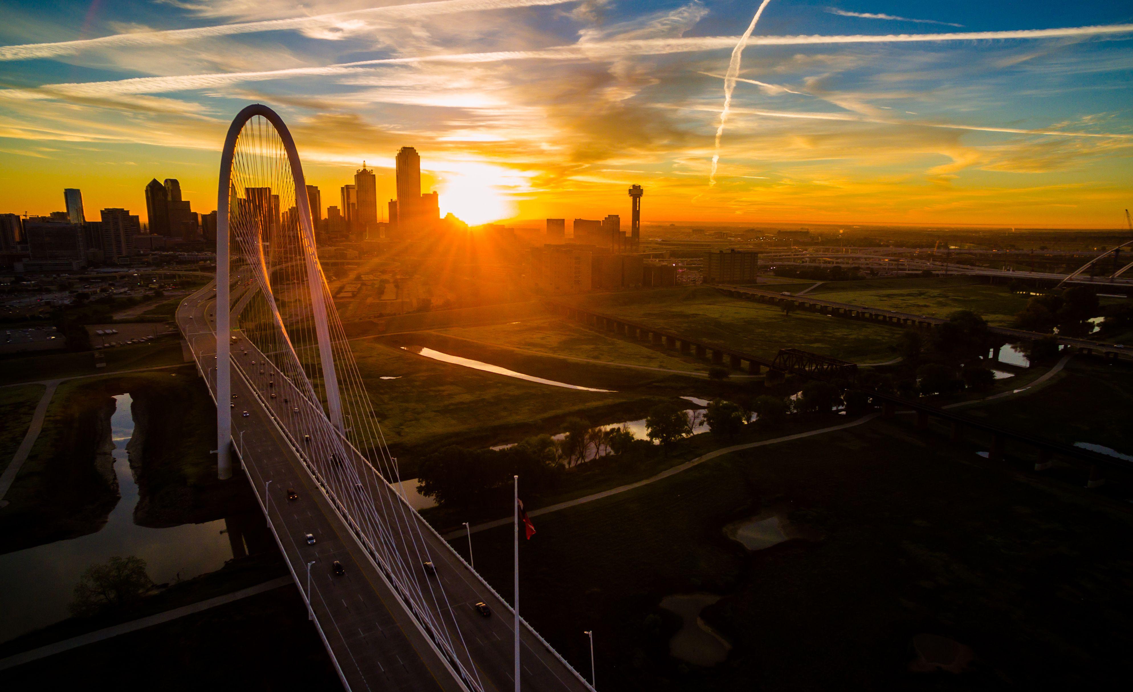 A Walking Tour of Downtown Dallas