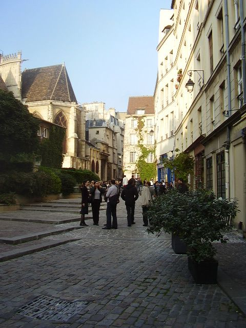 Rue des Barres, with St-Gervais cathedral on the left.