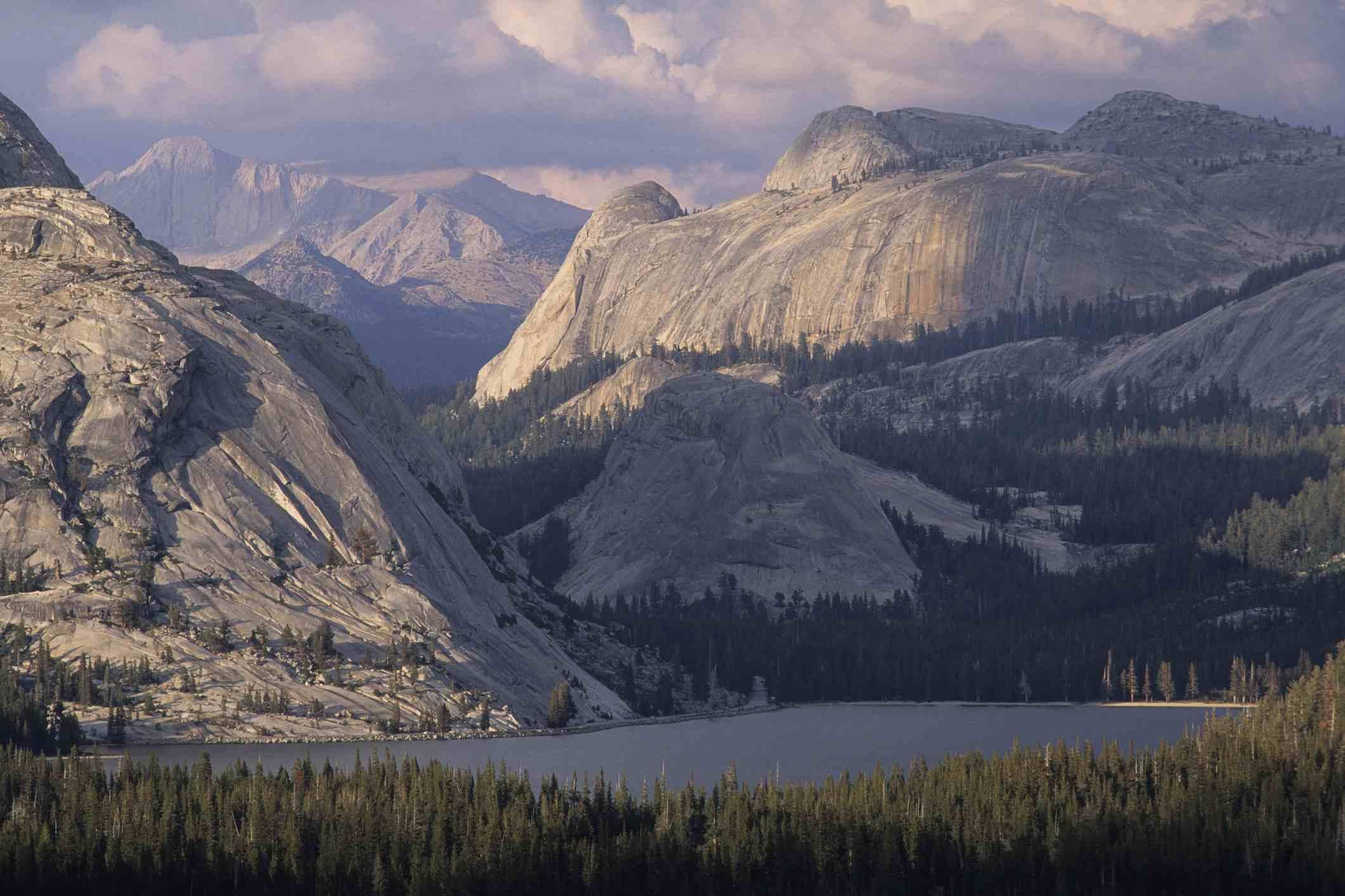 Tenaya Lake, Tuolumne Meadows, Yosemite National Park, California.
