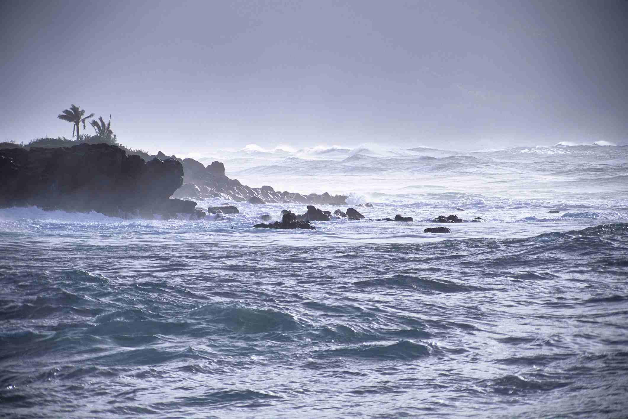 Hawaii, Oahu, North Shore, Stormy Silver Seas Off Waimea Bay Shoreline