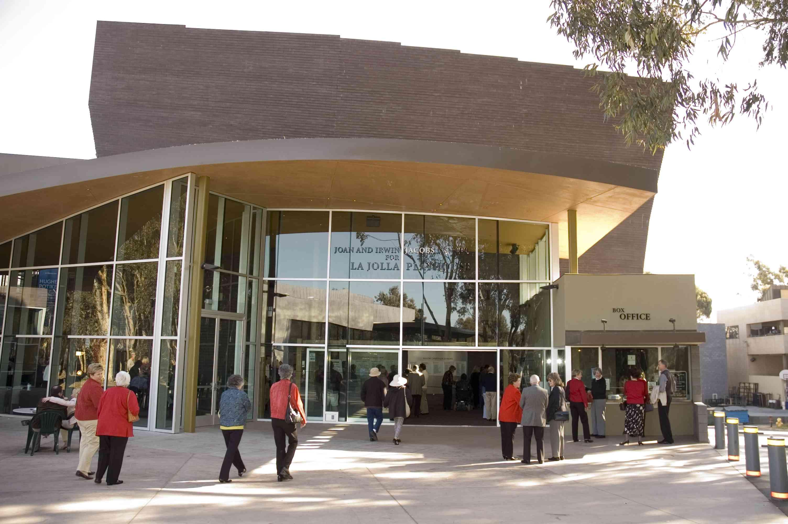 people walking into La Jolla Playhouse