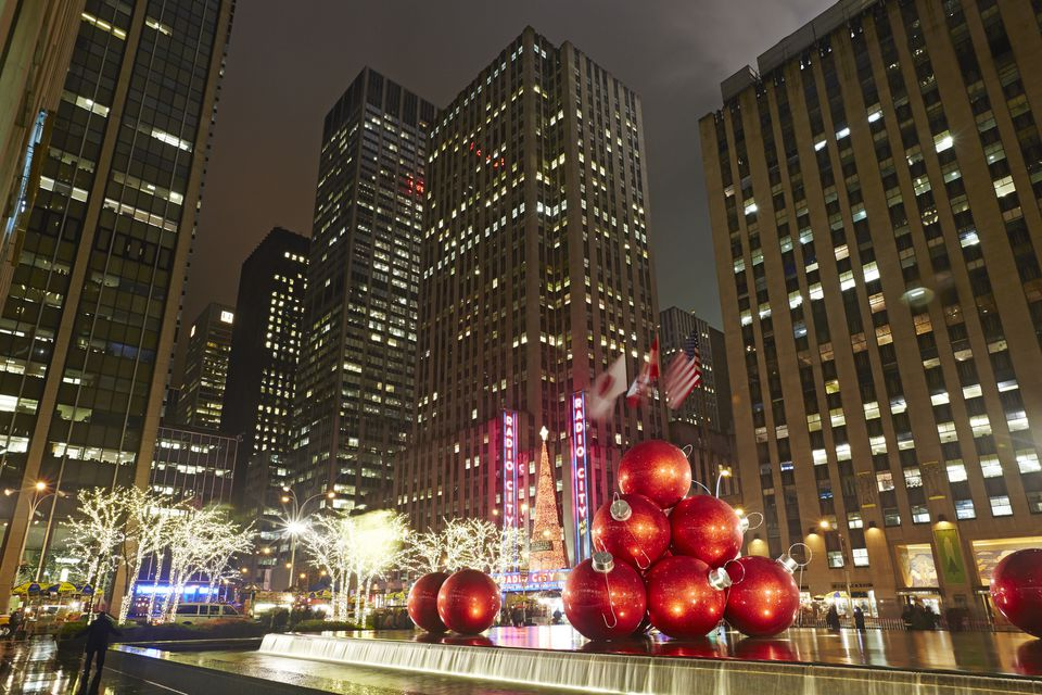 nycs 5 best holiday lights displays rockefeller center with christmas decorations - Best Christmas Decorations In Nyc