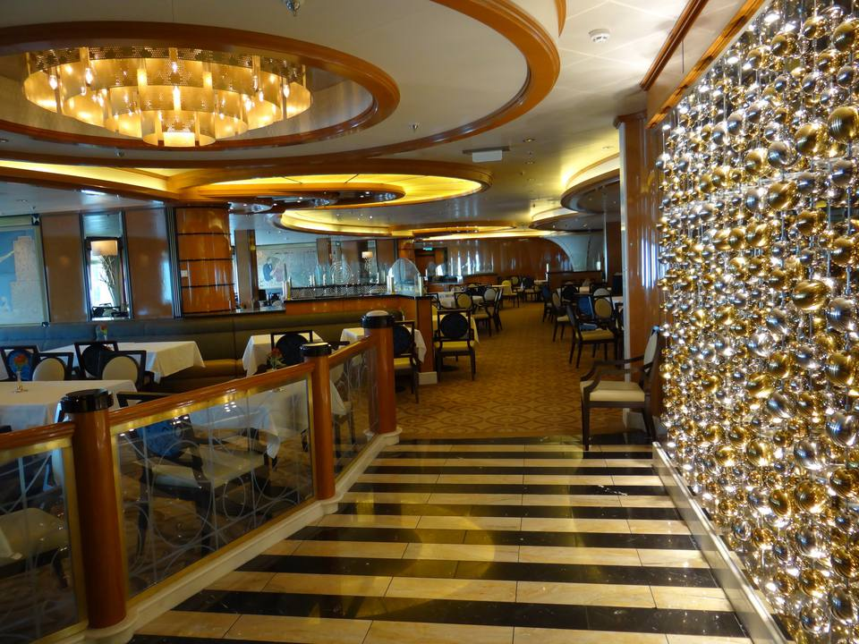 Concerto dining room on the Royal Princess