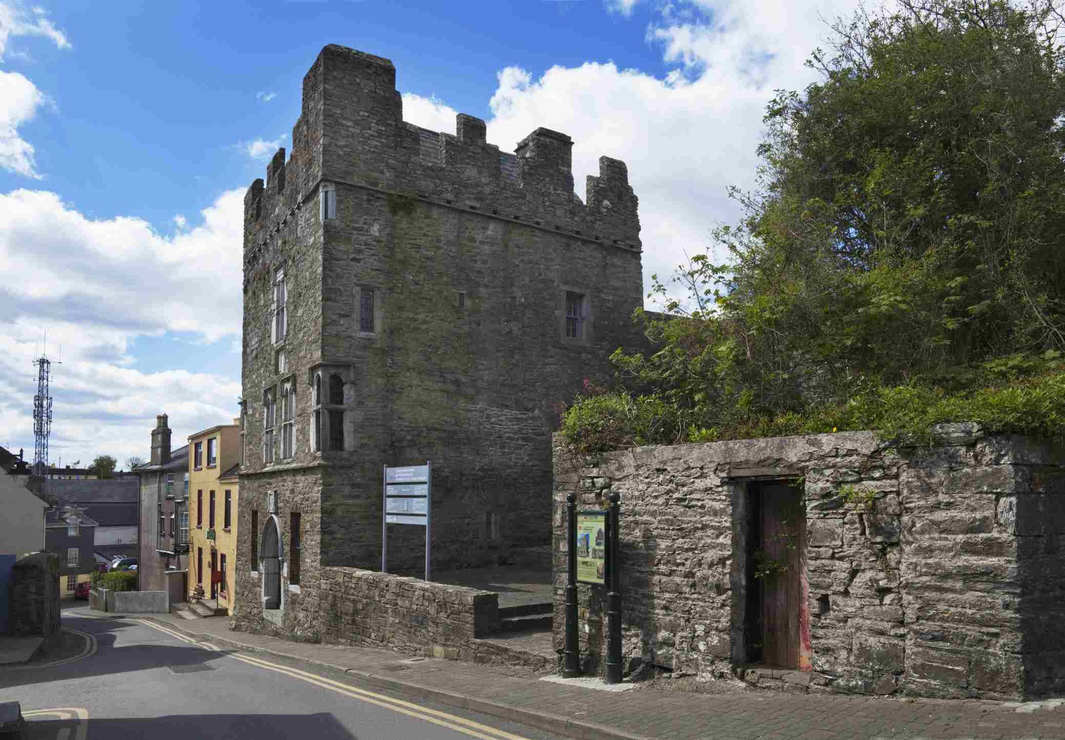 15Th Century Desmond Castle & International Museum Of Wine Cork Street