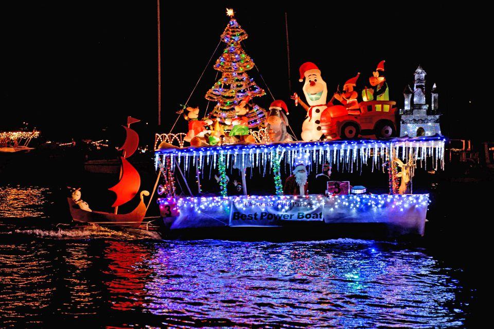 newport beach christmas boat parade - Newport Beach Christmas Boat Parade