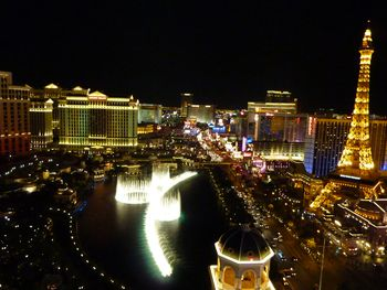 Add A Little Vegas To Your New Years Eve Celebration