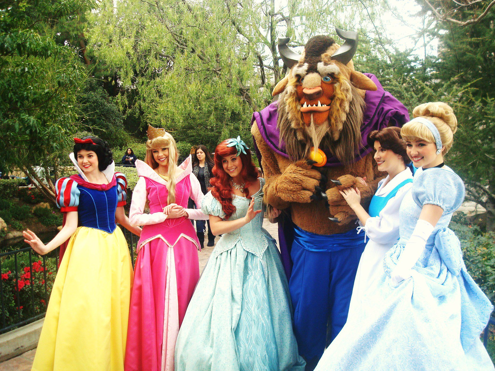 File:Beast and Princesses.jpg