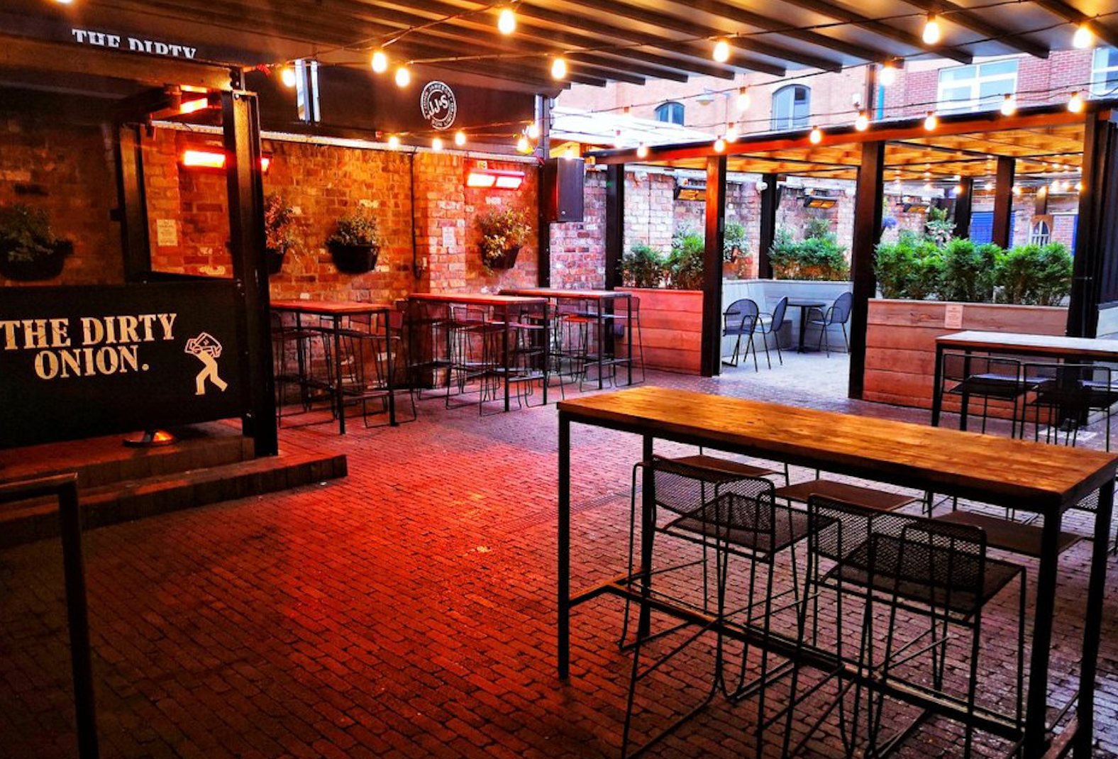 outdoor pub seating