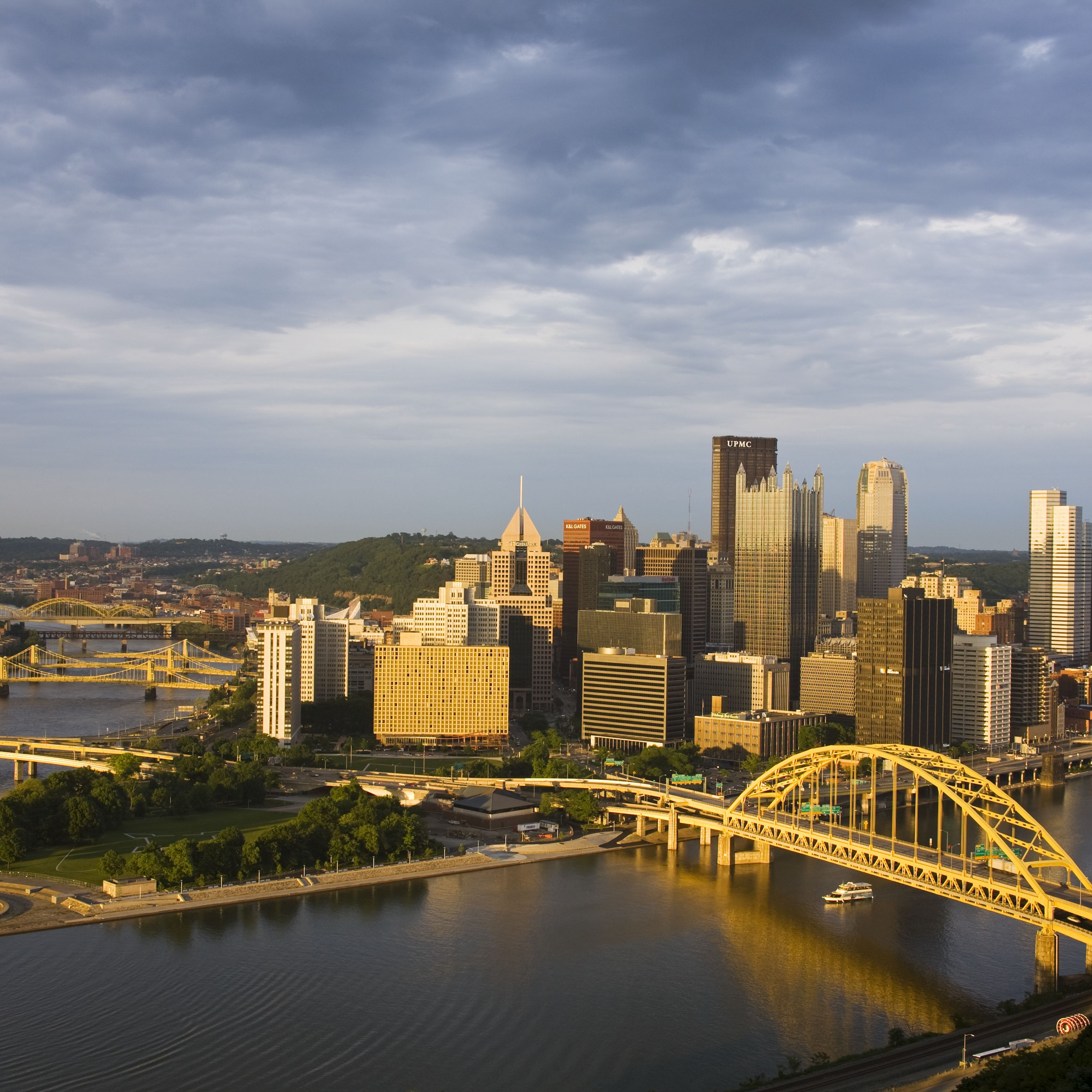 Pittsburgh's Mount Washington: Inclines and Overlooks