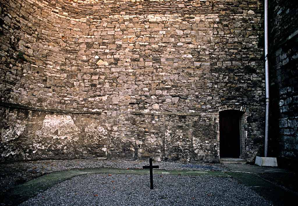 Yard in Kilmainham Gaol, where 15 of the men captured by the British after the 1916 Easter uprising were executed. Referred to by poet, dramatist and one time winner of the Nobel Prize for Literature, William Butler Yeats in his poem 'Easter 1916'. September 1990.