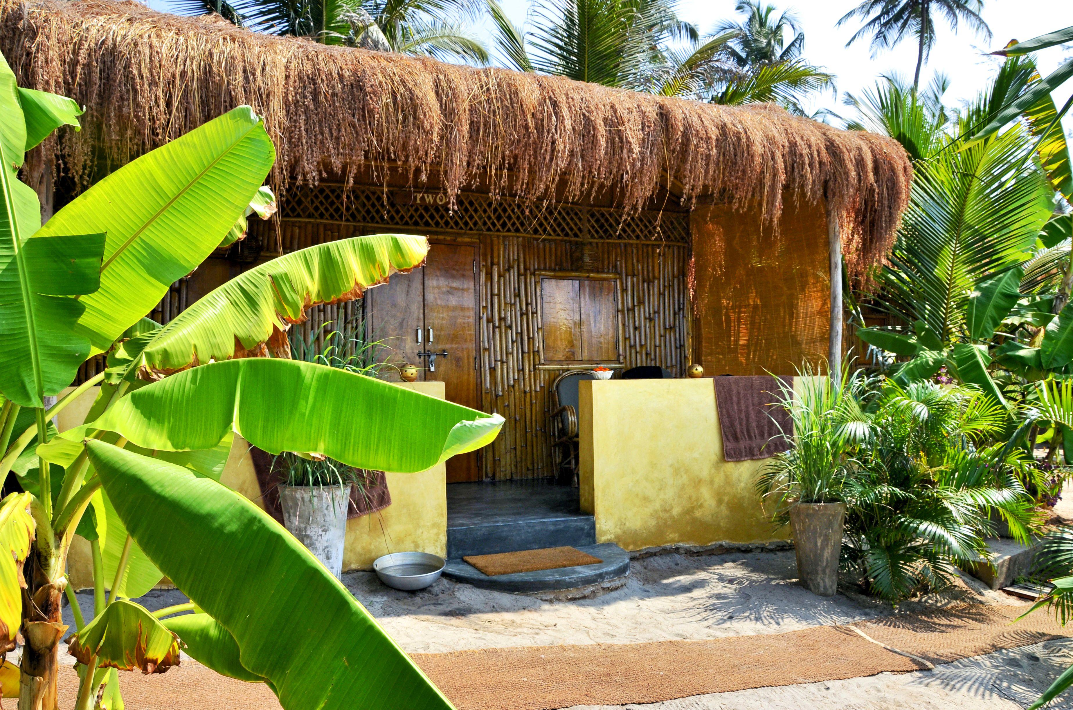 Little Palm Grove beach hut.