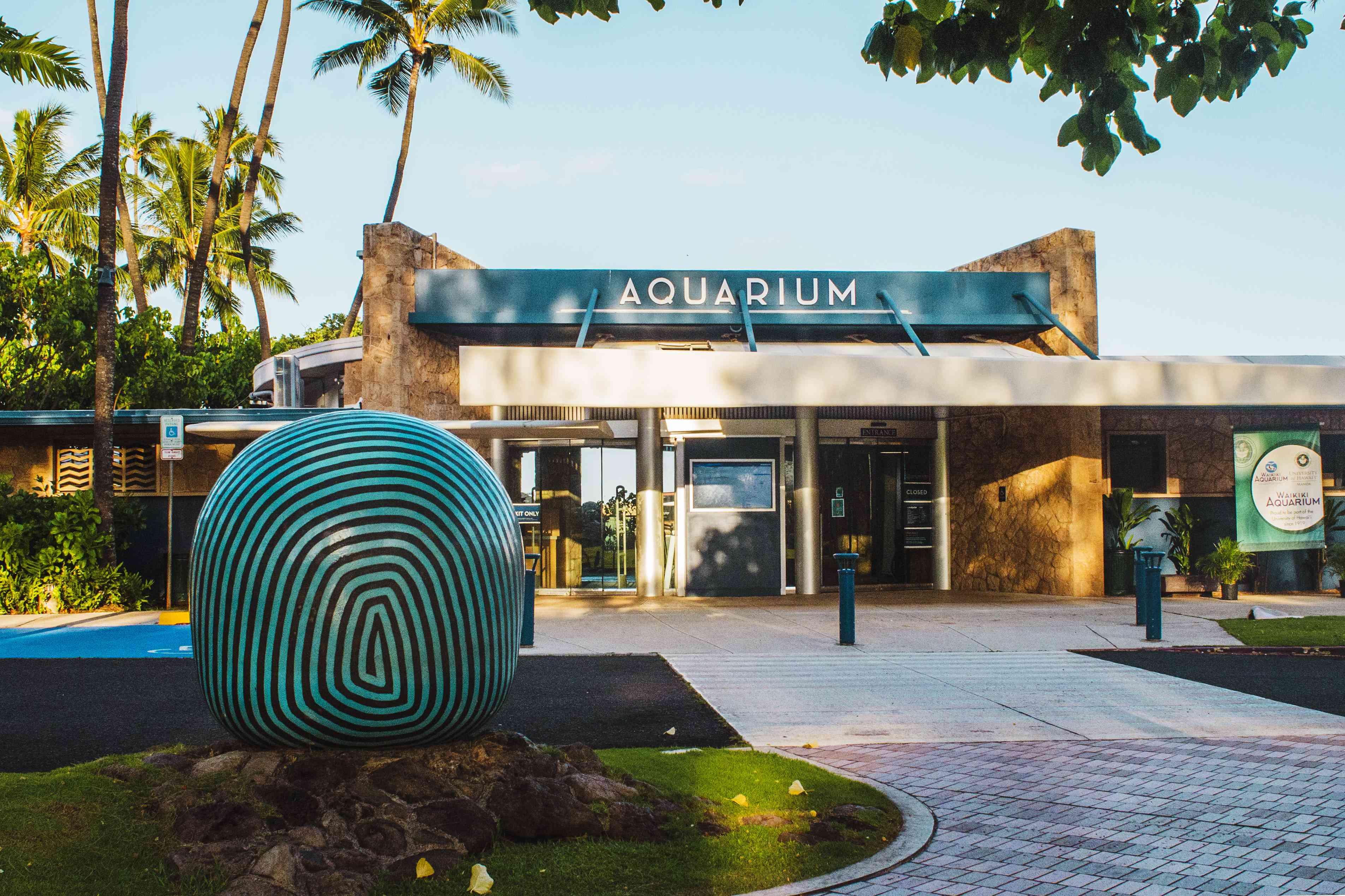 Entrance to Waikiki Aquarium
