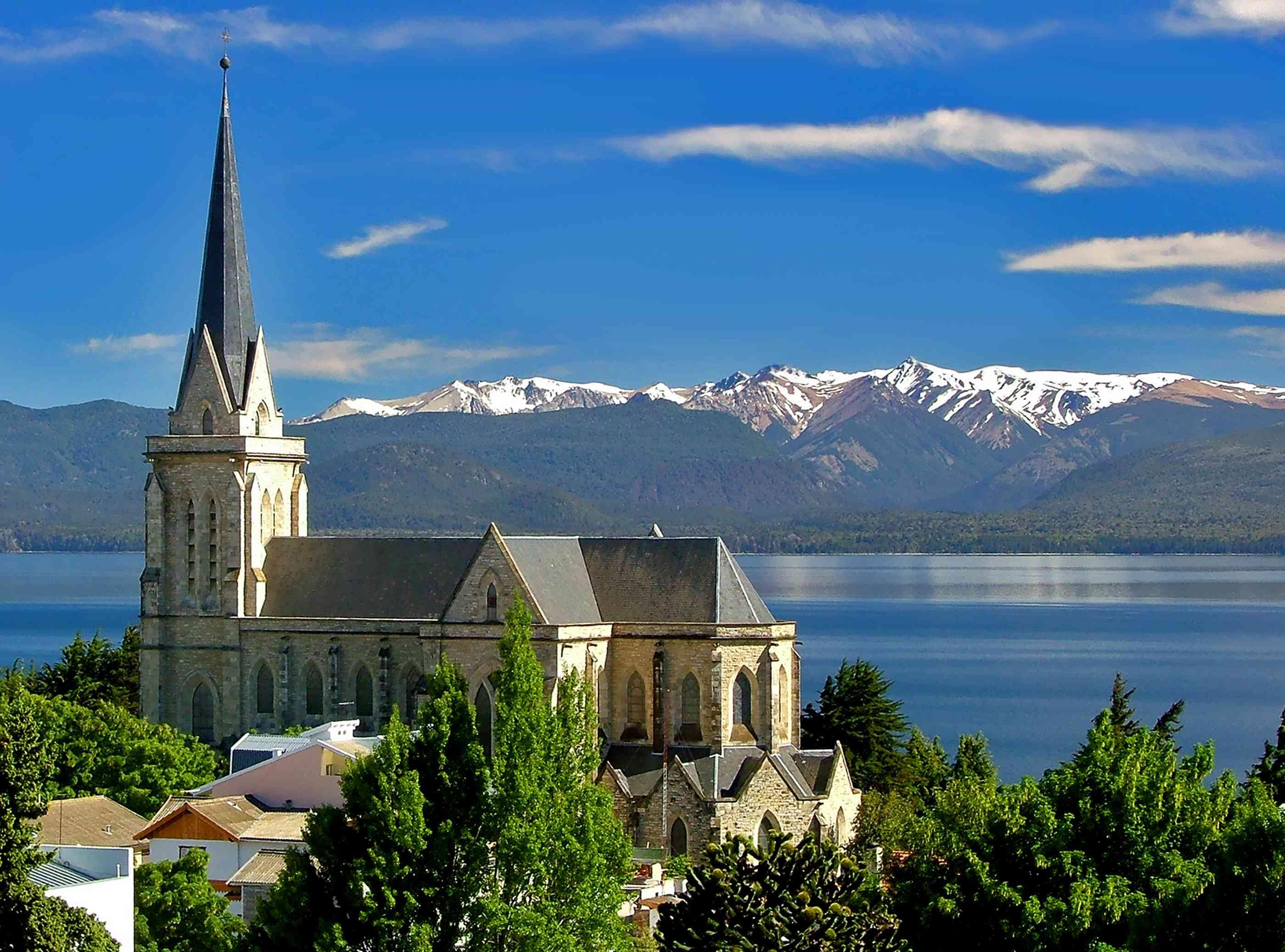 Iglesia en el paraíso