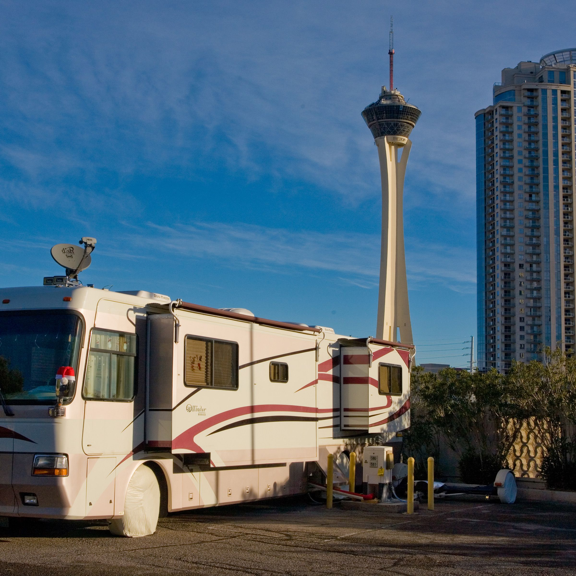 RV v.s. Hotels: Which One Is Cheaper?